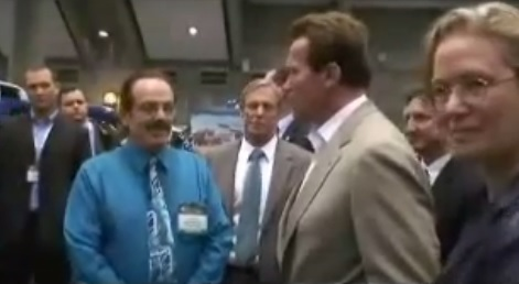 Arnold Schwarzenegger introduced to Water4Gas